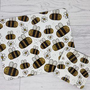 white bee mat set